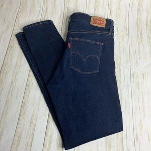 Levis slimming skinny jeans. Women's size 31